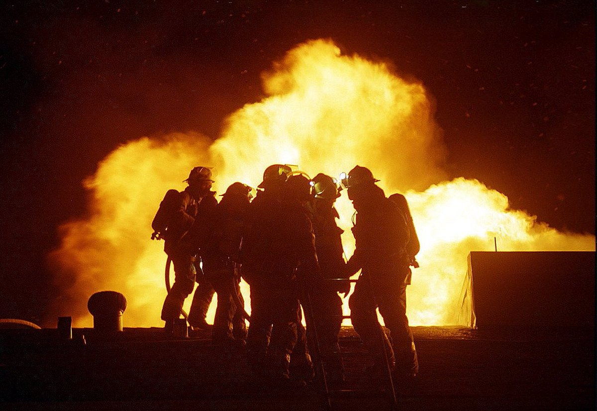 edmonton fire rescue edmontonfire twitter do you want to be a cityofedmonton firefighter efrs will be accepting firefighter applications in 2017