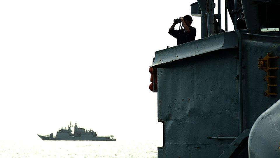 """Los buques """"Bahia"""" y """"Barroso"""" visitan el puerto de Mar del Plata C3IFkV1XcAI9Tnx"""