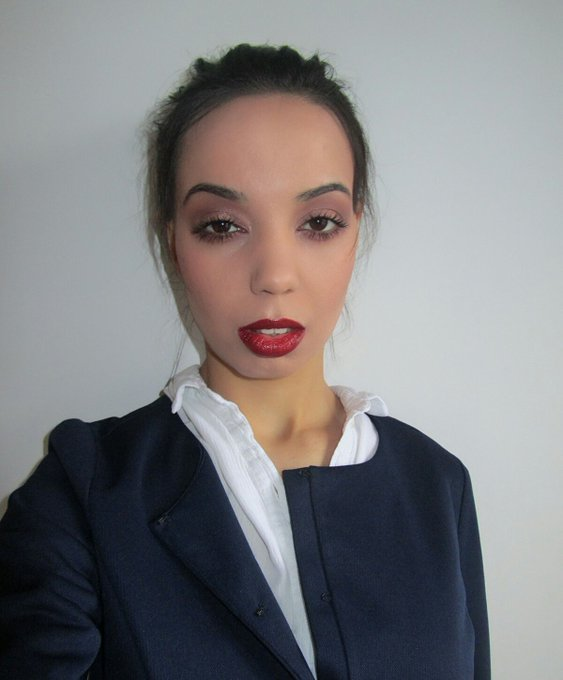 Makeup look: red lips and plum eyes