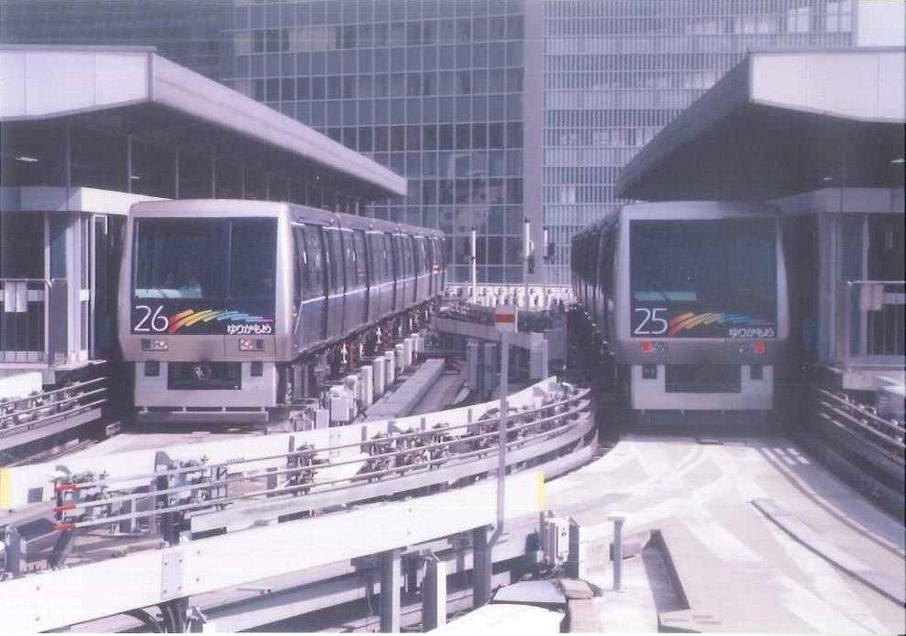 【ゆりかもめ新橋駅】 1995年11月1日ゆりかもめは開業しました。開業当初、新橋駅は、現在の位置よ…