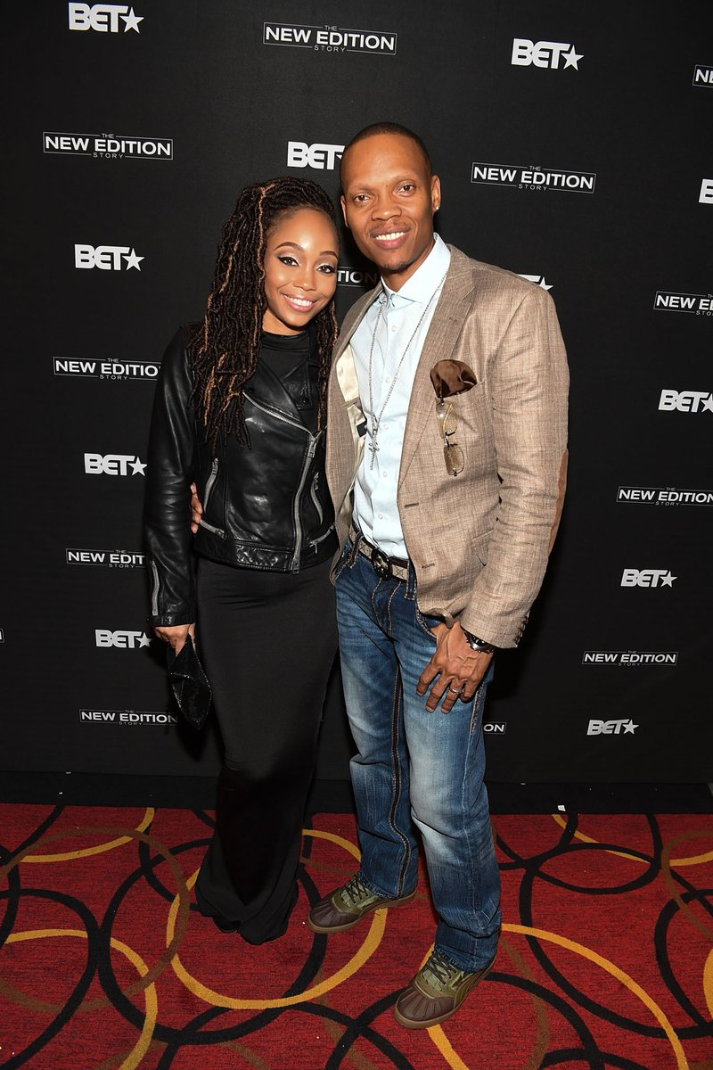 So glad Ronnie and his lovely wife are still together! https://t.co/eGy51nYXEX  #NewEditionBET https://t.co/0qSLRuIT0H