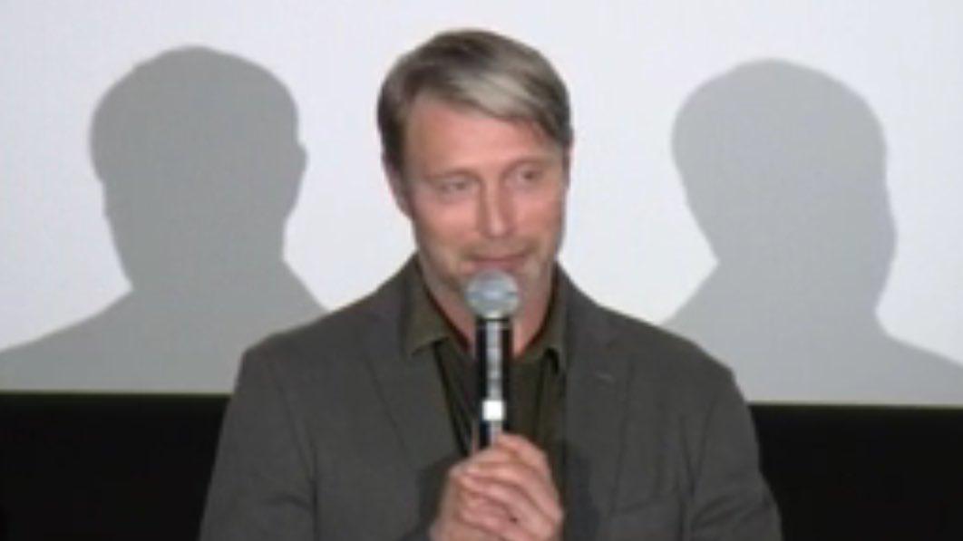 """舞台挨拶で冒頭から小島監督との一日を嬉しそうに語ったマッツさんw  """"YAKATA-BUNE〜""""から…"""
