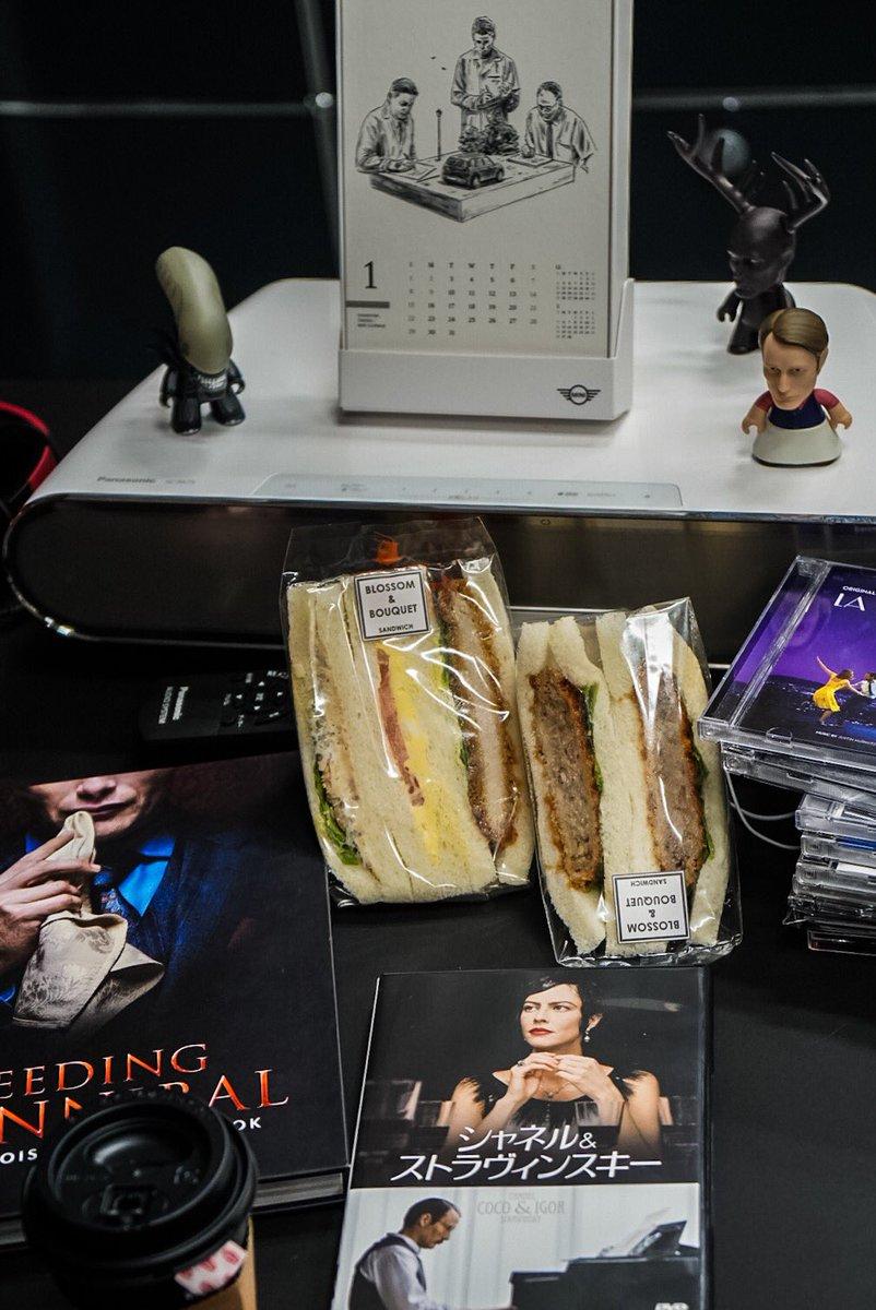 「おしえてマッツ」を観ながら、サンドウィッチ。