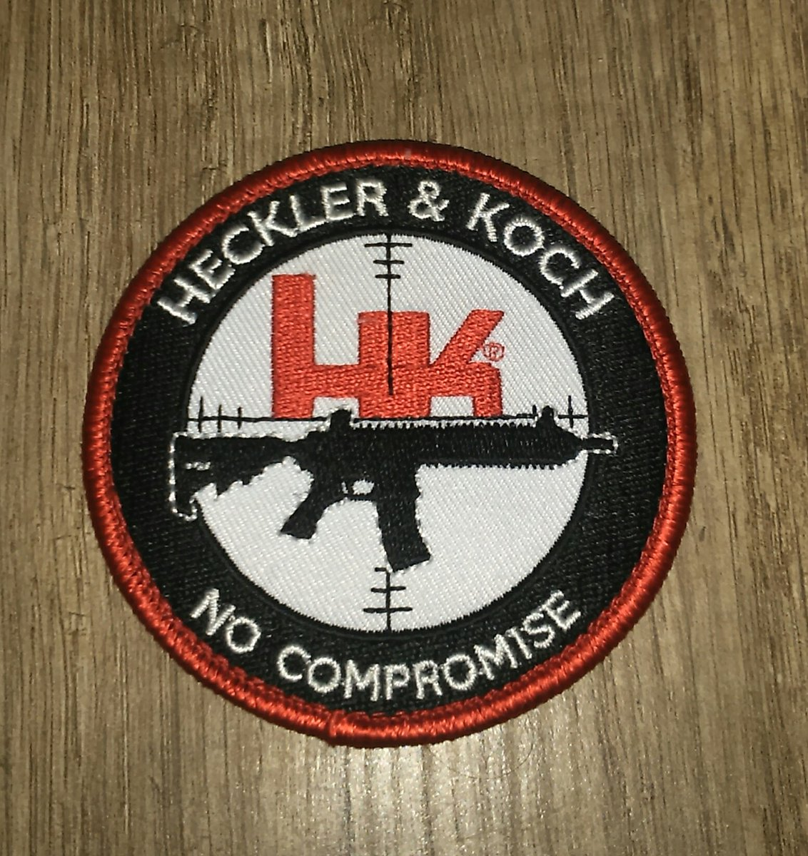 And my new patch ;)   #airsoft #airsoftisnotacrime #Heckler&Kochpic.twitter.com/X6X47XwNry