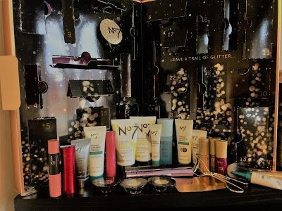 Beauty Addict 32: No 7 Bright Lights, Big City Beauty Advent Calendar