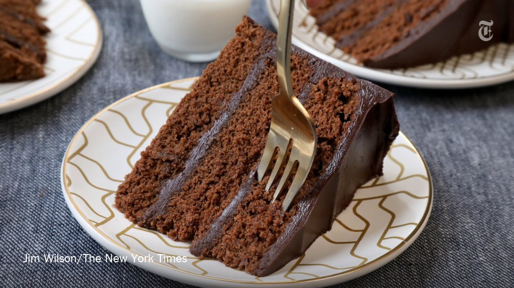 Happy National Chocolate Cake Day! https://t.co/kpndVD378H https://t.co/HbGhAei3Ix