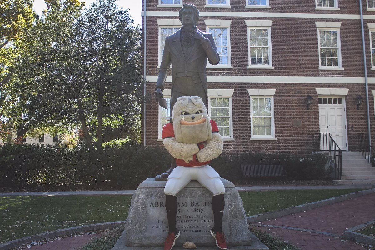 Happy Founders Day! 232 looks good on you UGA https://t.co/oEtycnkf2k