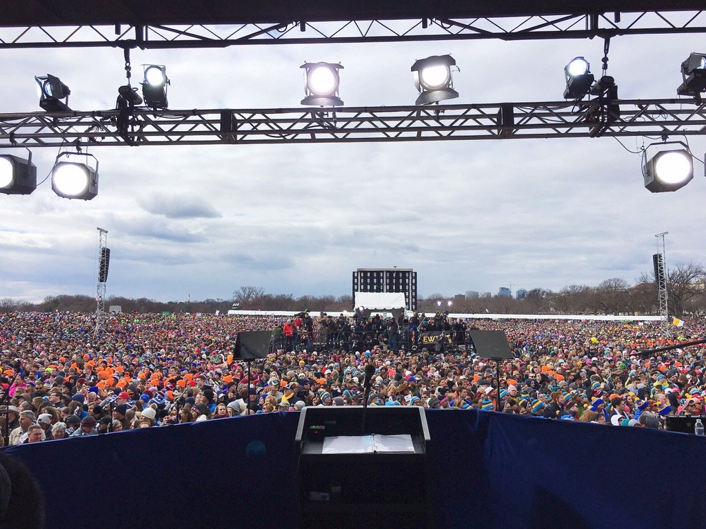 Incredible to see the #ProLifeGeneration standing for life today! #MarchForLife https://t.co/EfNE2tpxdl