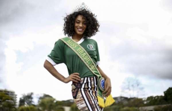 A Miss Brasil também faz parte da #FamíliaPalmeiras! Use as hashtags '#MissUniverse #Brazil' para a Raissa ser finalista do Miss Universo.