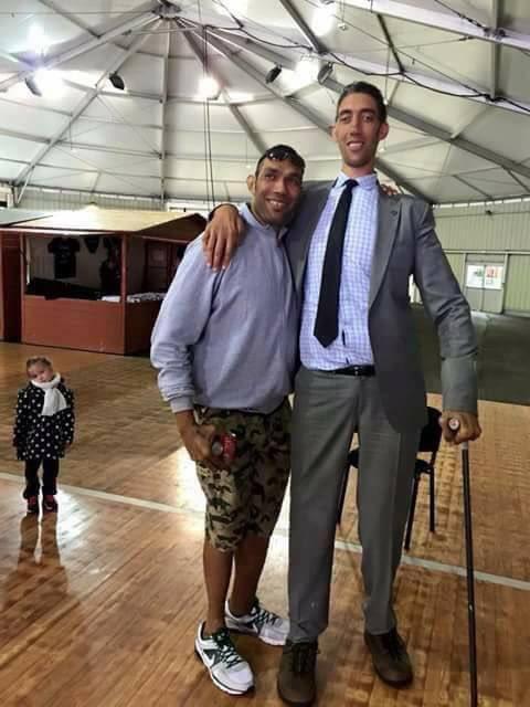 """ben sonewa on Twitter: """"Fiji's tallest man meets world's"""