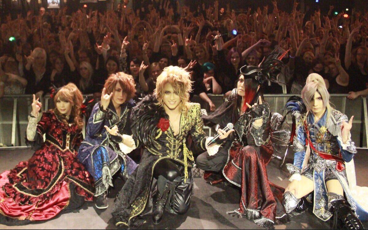 #VersaillesEUROPETOUR2017 https://t.co/I3m2lx8OKf Terminó el concierto en Finlandia y HIZAKI acaba de postear... https://t.co/Il46g3hhIp