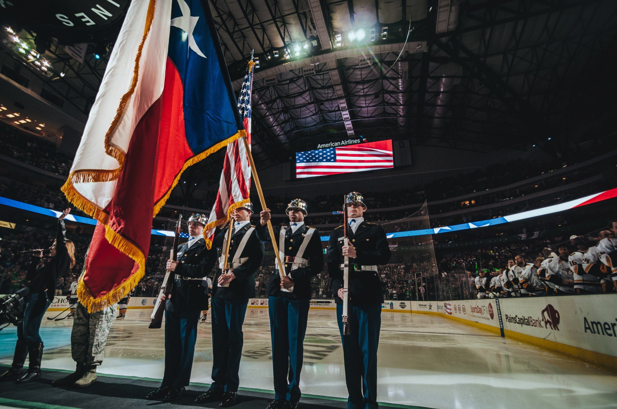 The #Stars and @hiringourheroes are holding a job fair at @AACenter for military personnel on January 31.  REGISTER: https://t.co/XN8zIPdtqo https://t.co/ktpBldqruj