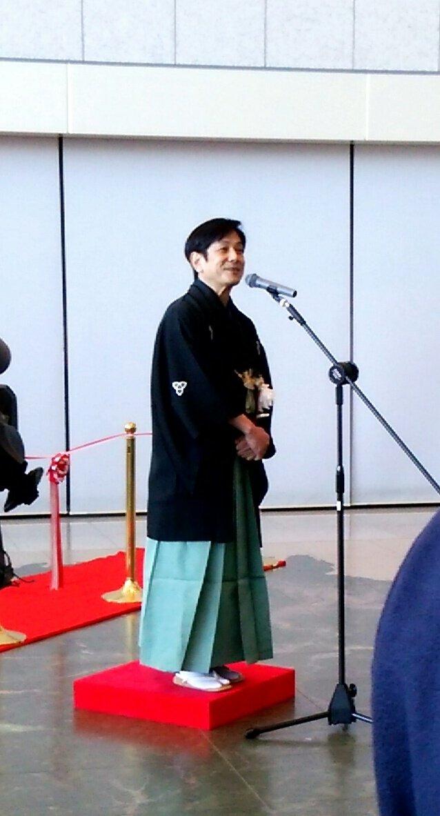 兵庫県立歴史博物館にて開催される特別展・人間国宝桂米朝とその時代の開会式で米團治がご挨拶をさせていただきました。 特別展は本日より3月20日(月祝)までの開催です。限定グッズも販売しておりますので、ぜひ起こしください! https://t.co/XKNwbmq4k3
