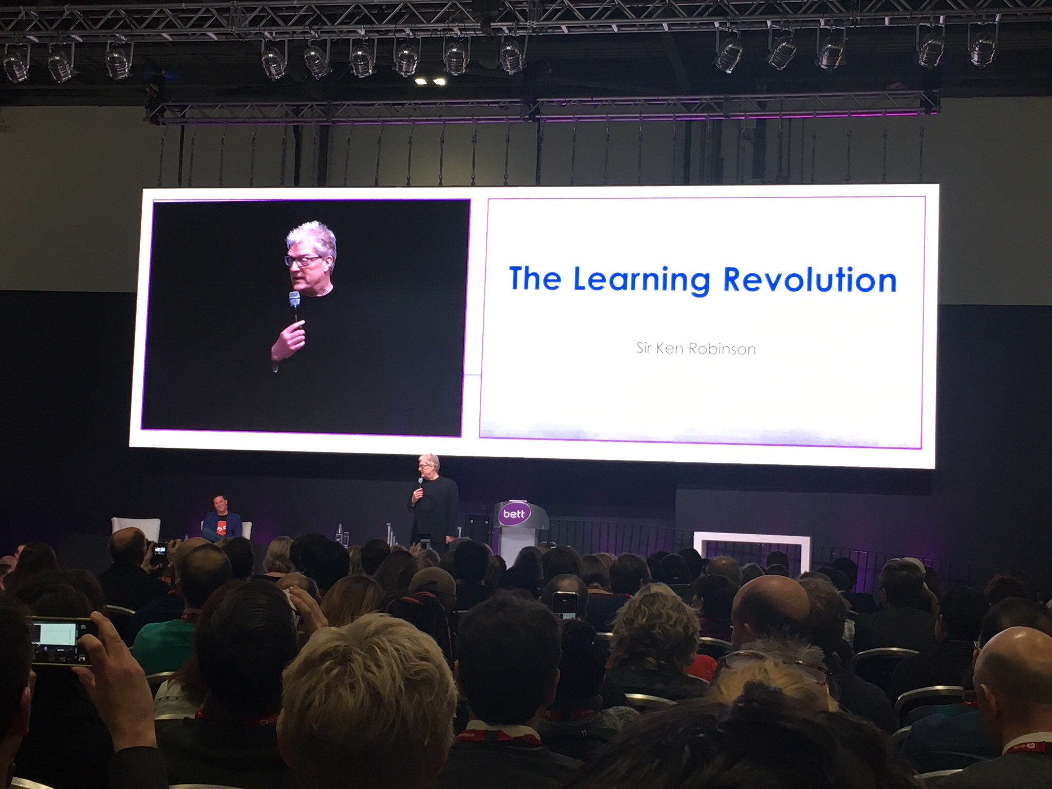 Enjoyed listening to @SirKenRobinson at #Bett2017 - entertaining & thought provoking #myWAB https://t.co/AWwoHDX1uL