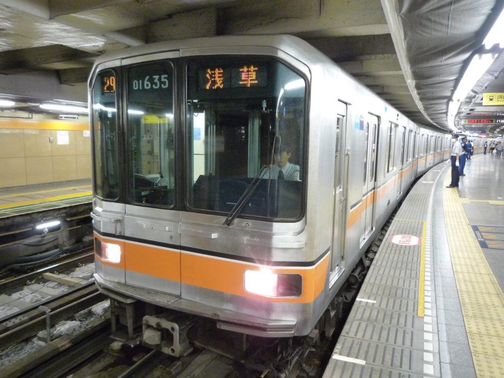 車両の写真撮影に関する注意喚起も  東京メトロの銀座線01系車両が引退 最終営業車両は1991年製 …
