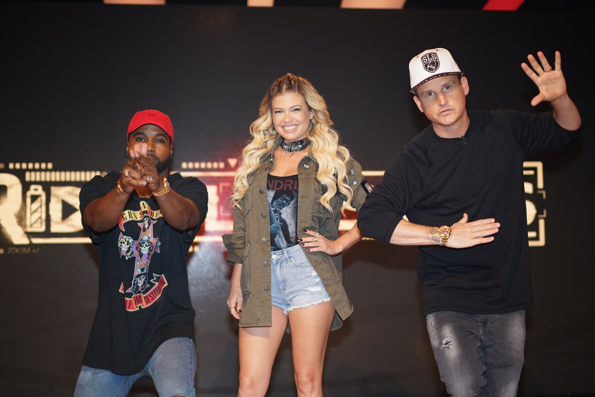 Want to chill with this squad? We're giving away a trip to LA to meet Rob + the crew! Unlock the chance to win by tweeting #RidicFridays! 💯 https://t.co/mhsfjMJdaJ