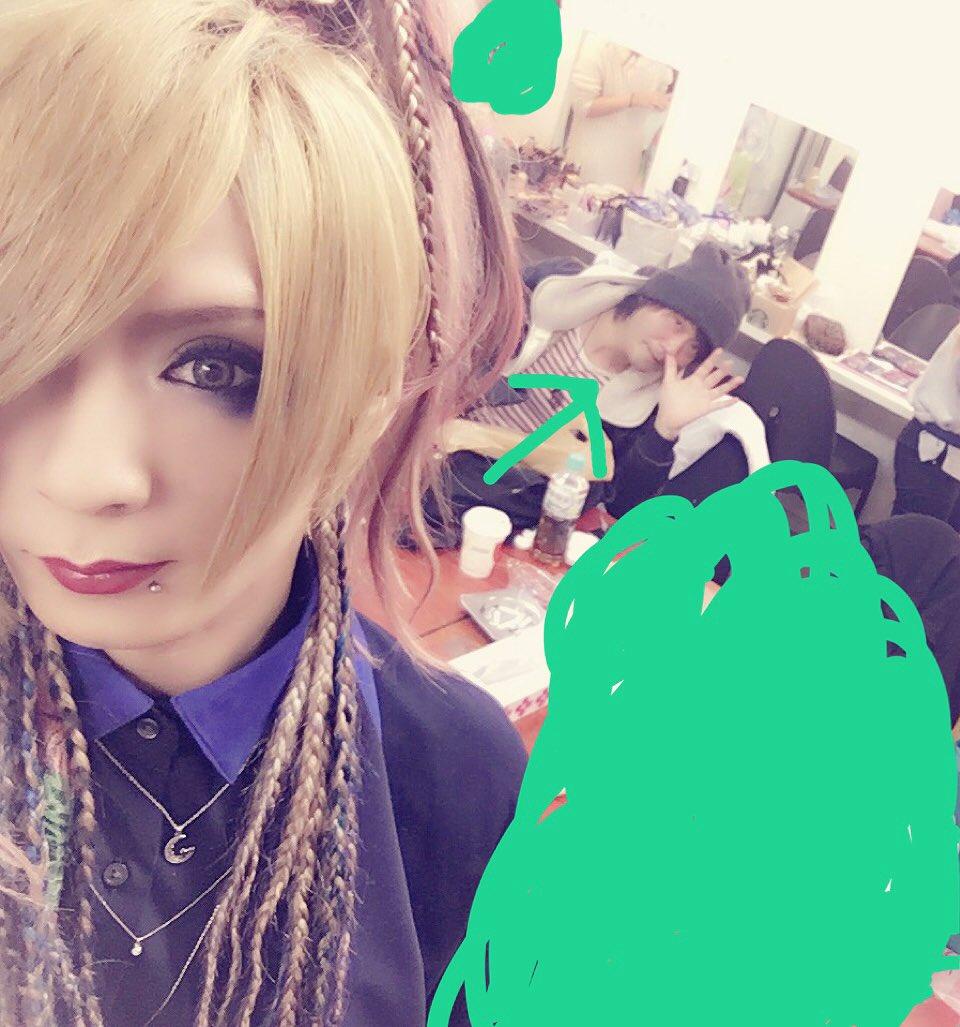 今日は平田さんのマジカルなスクエアさんで撮影会す   メンバーみんな汚れてるす    広島のインスト…