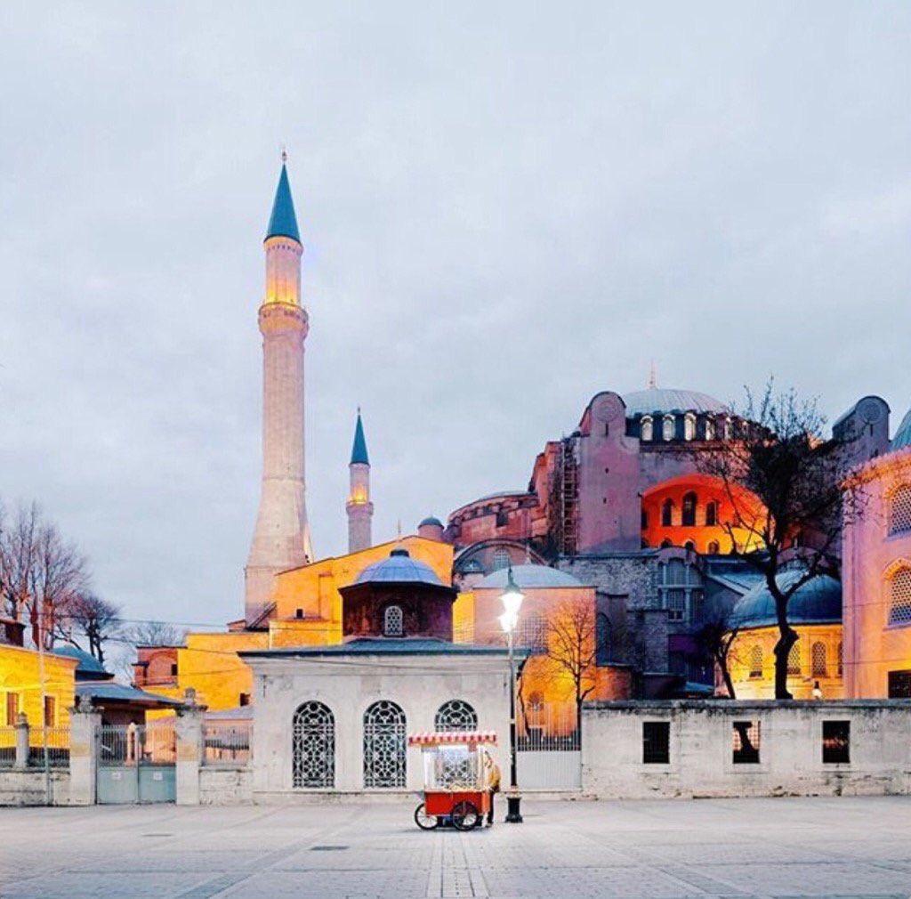 RT @OraliaSotoRoman: #Istambul #Turkey https://t.co/SDfXbXfi9I
