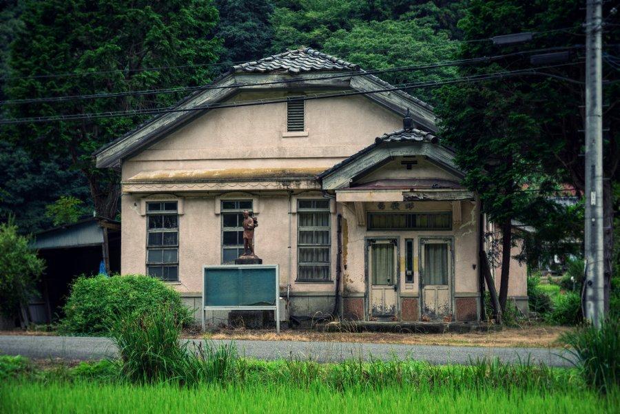 廃墟というマイナー趣味において、さらにドマイナーなジャンルながら、ワイは廃郵便局が大好きなんだよ。