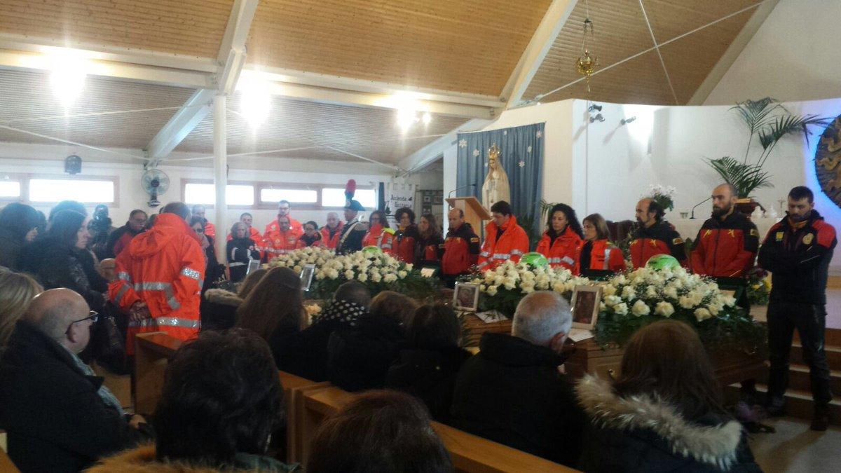 Aquila Omaggio Campo Felice : LIVE Aquila Omaggio vittime ...