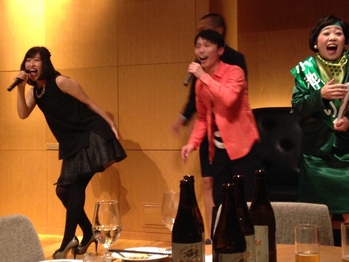 昨日の週プレ新年パーティーにいらしてたカミナリのたくみさんにお尻を叩いて頂きましたよ〜!気合いの入るいい音が鳴りました…!w