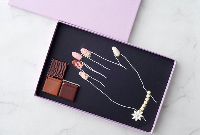 パレスホテル東京の限定スイーツ - 純白のハイヒールショコラやチョコ製のネイル&ブレスレットなど f…
