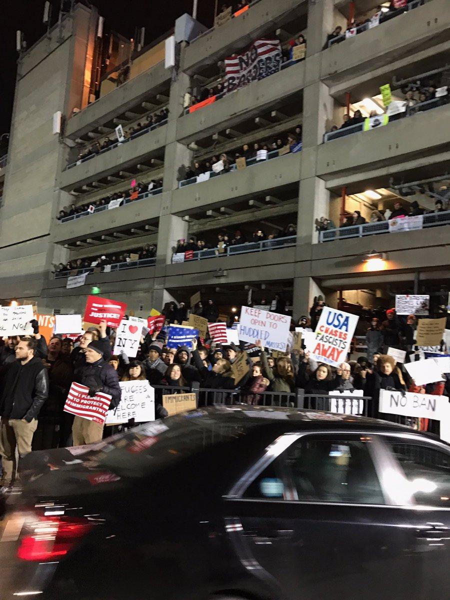 Every floor is full at JFK #MuslimBan #JFKTerminal4 https://t.co/dT7UtQs6iK