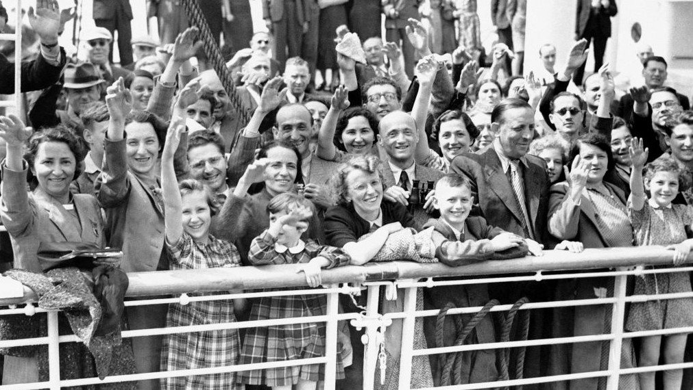 22. One ship we turned away, the St. Louis, carried nearly a thousand Jewish refugees; a quarter would die in Nazi Concentration Camps. https://t.co/ryCakWq4Bs