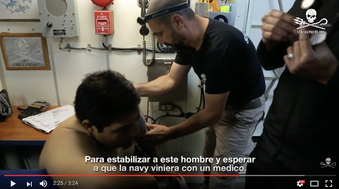 ... English & Spanish subtitles http://www.seashepherd.org/news-and-comme ntary/news/sea-shepherd-rescues-drowning-fisherman-in-gulf-of-california.html …