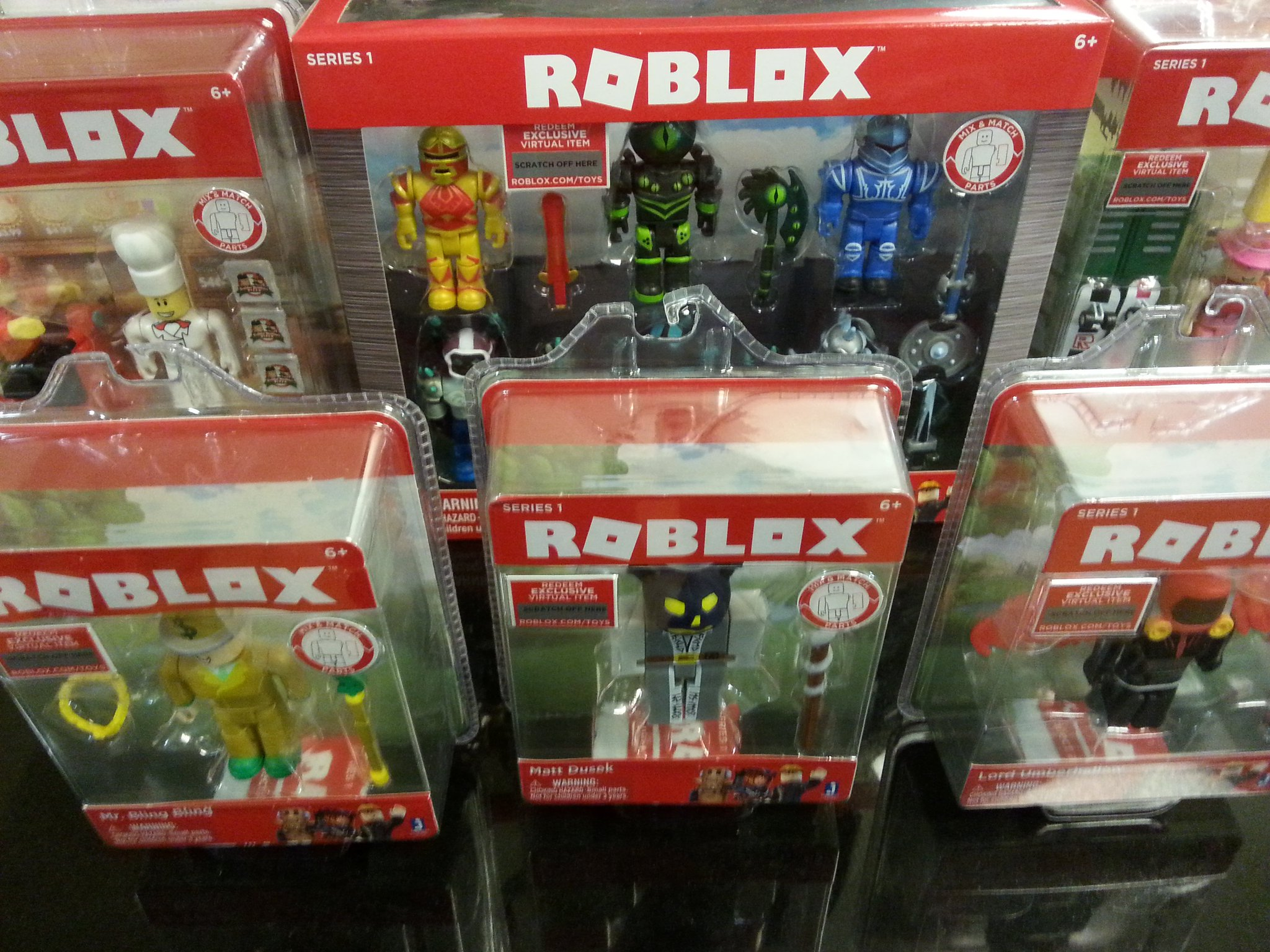 Merely on twitter raided the local toys r us for roblox toys - Maisonnette toys r us ...