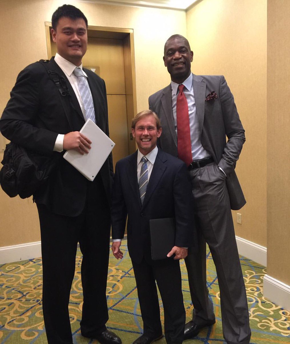 Today in amazing yao ming pictures: & with 5-foot-5