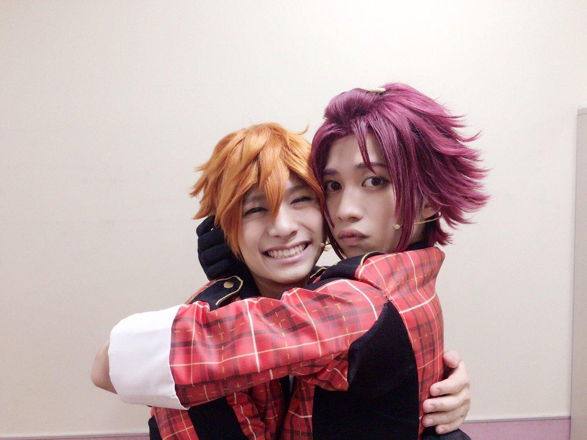 大阪楽日、昼公演ありがとうございました!! いつも俺を見つけたら抱きついてくれるスバル。 スバルの笑…