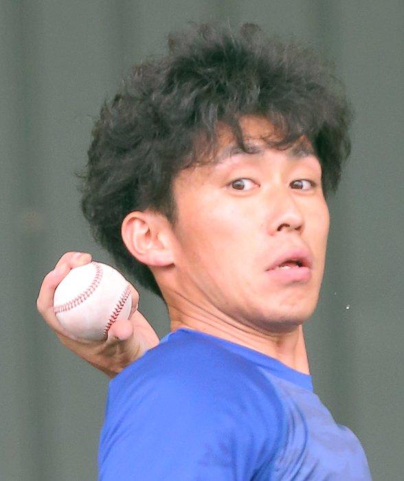 合同自主トレ2日目!広島・広陵高出身の #吉川光夫 投手と #小林誠司 選手がバッテリーを組み、投球…