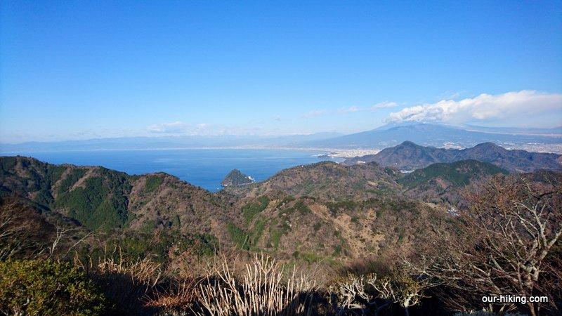 西伊豆の葛城山から発端丈山に登って来ました。8ヶ月ぶりの山歩きでした。 http://www.our-hiking.com/mt.hottanjoyama1.html…