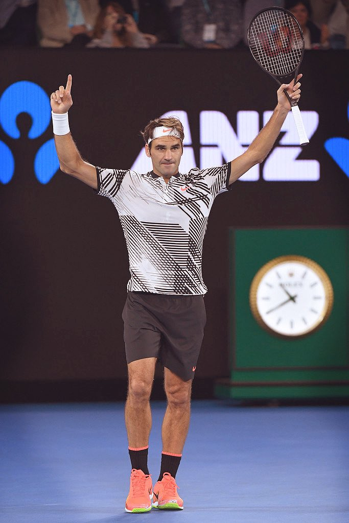 .@rogerfederer WINS HIS 18TH GRAND SLAM AND 5TH #AUSOPEN DEFEATING RAFAEL NADAL 6-4 3-6 6-1 3-6 6-3. LEGEND.CHAMPION https://t.co/Wt72sFi8Wg