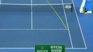 Segle XXI: Federer ha guanyat l'#AusOpen amb l'ull de falcó. El futbol continua al segle XX https://t.co/lWRLSSYy10