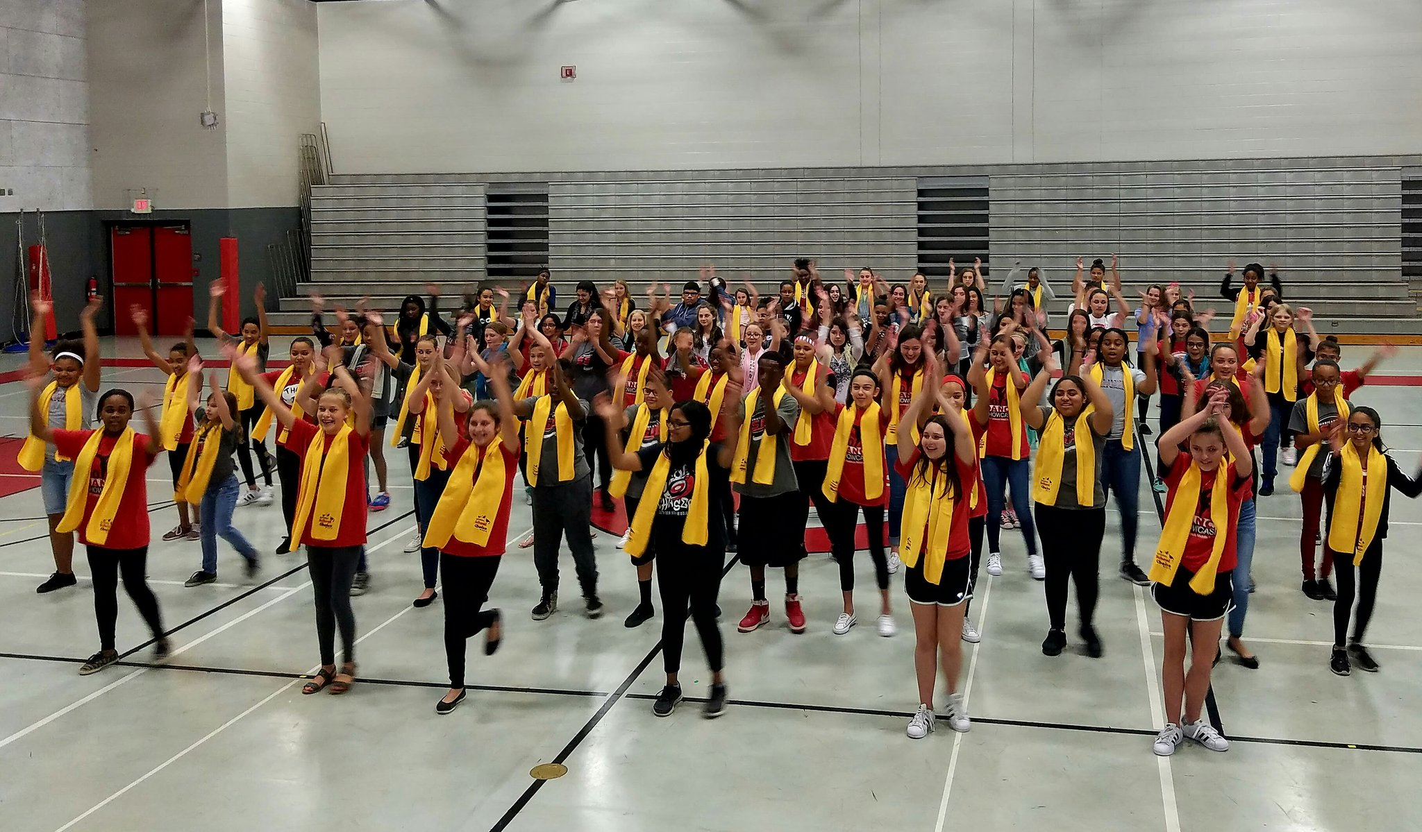 SSMS leaders of dance perform for National School Choice Week! #schoolchoice  @schoolchoicewk  @SCPSInfo  @SCMiddleSchools https://t.co/BwRIvZlQDq