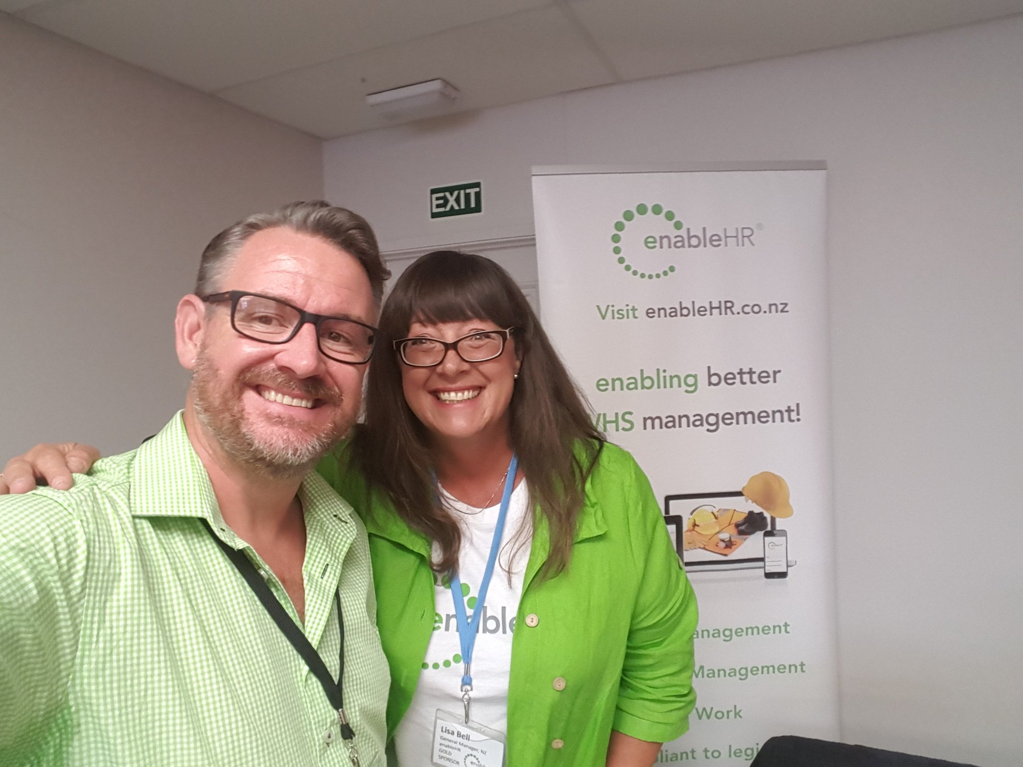#hraconf17 @LisaBellHR  and I wearing 'enableHR green' a new trend for Client Partners and staff! https://t.co/SKFVQtxyG9
