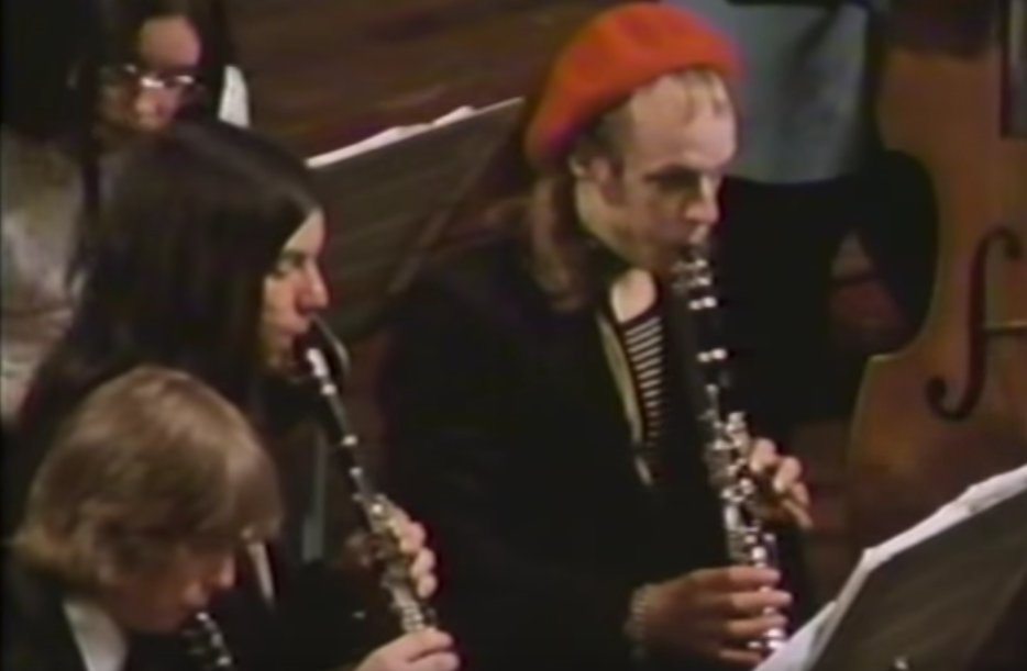 Who were the Portsmouth Sinfonia? #world&#39;s #worst #orchestra #clarinetist #BrianEno  http:// classicalmusicreimagined.com/2016/03/15/the -portsmouth-sinfonia/ &nbsp; … <br>http://pic.twitter.com/kWIppNzWXu