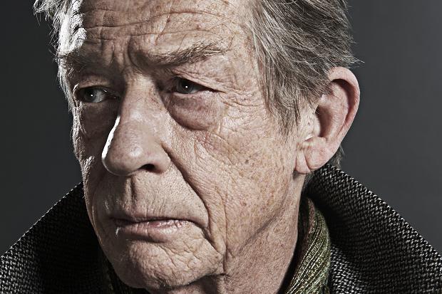 多数の傑作に出演した英国人俳優ジョン・ハートが死去。77歳だった。「エレファント・マン」「ミッドナイ…