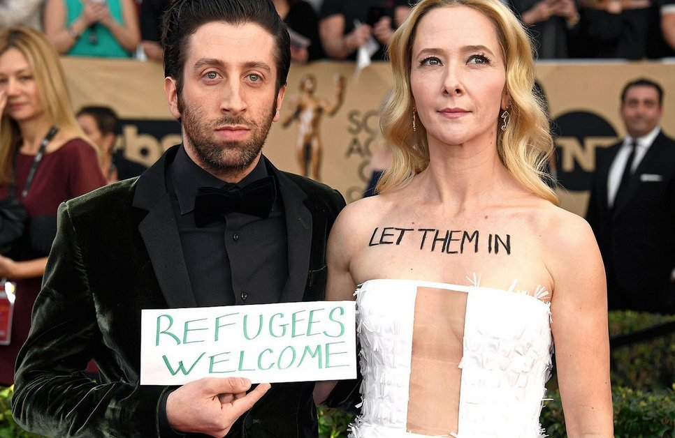 And the win for best dressed goes to ..the Helbergs! #sagawards2017 #Resist https://t.co/Ef4IIj8X6z