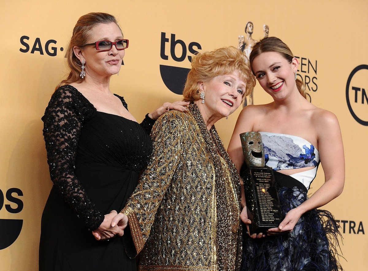 'Strong' #Billie Lourd coping 'well' following #deaths of #Carrie Fisher and ##Debbie #Reynolds  http:// metro.co.uk/?p=6414007  &nbsp;  <br>http://pic.twitter.com/gV56FBvM6V
