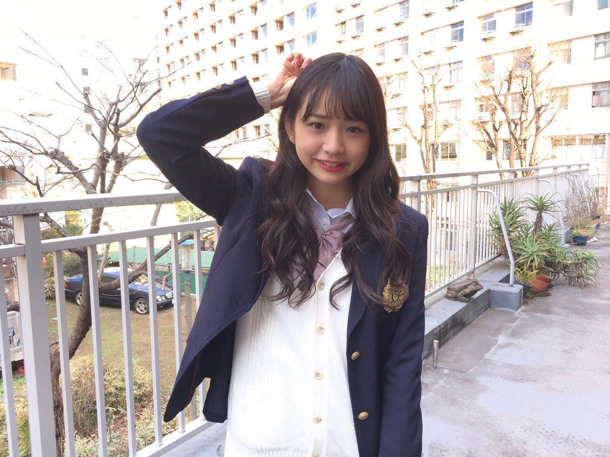 2月24日発売号「SamuraiELO」の撮影でした すこし掲載して頂きます^_^  制服~_~!