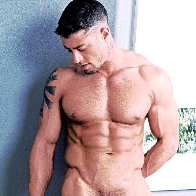 Muscle lad fleshjerk