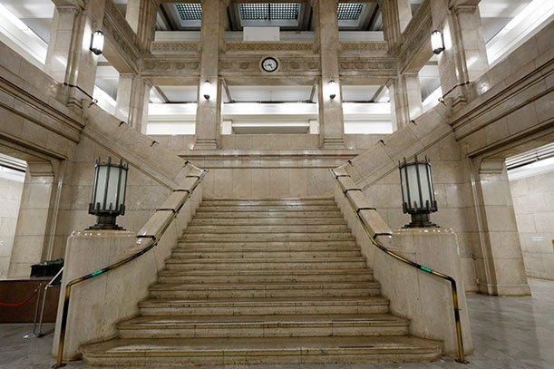「大阪府庁本館」の画像検索結果