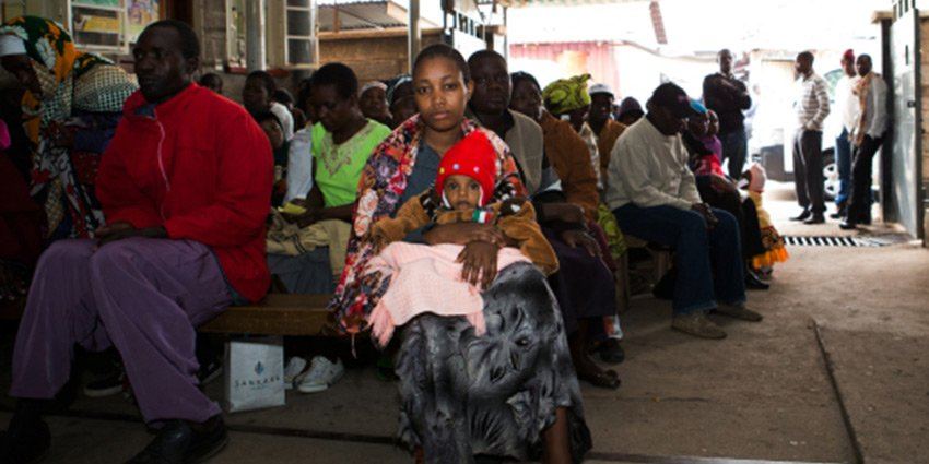 Patientenschicksale aus #Nairobi. Einsatzärztin Sabine Waldmann-Brun berichtet von ihrem derzeitigen Einsatz: https://t.co/d3scPKTYhP https://t.co/NM6C0aHxYI