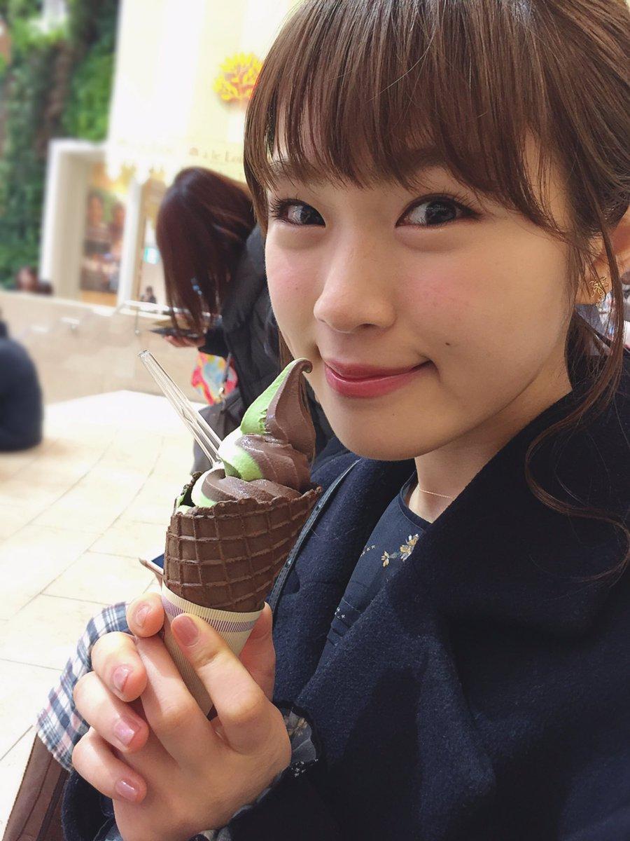 アイスなんて食べちゃって🍦💓  #バレンタインチョコレート博覧会 #梅田阪急百貨店  #チョコレート…