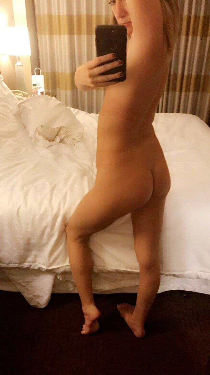 Nude Selfie 10453
