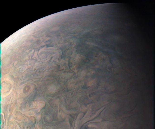 Un peu de poésie : la plus belle image de Jupiter à ce jour par la sonde Juno https://t.co/FJGc1hljkf https://t.co/BagVSkI9Mn