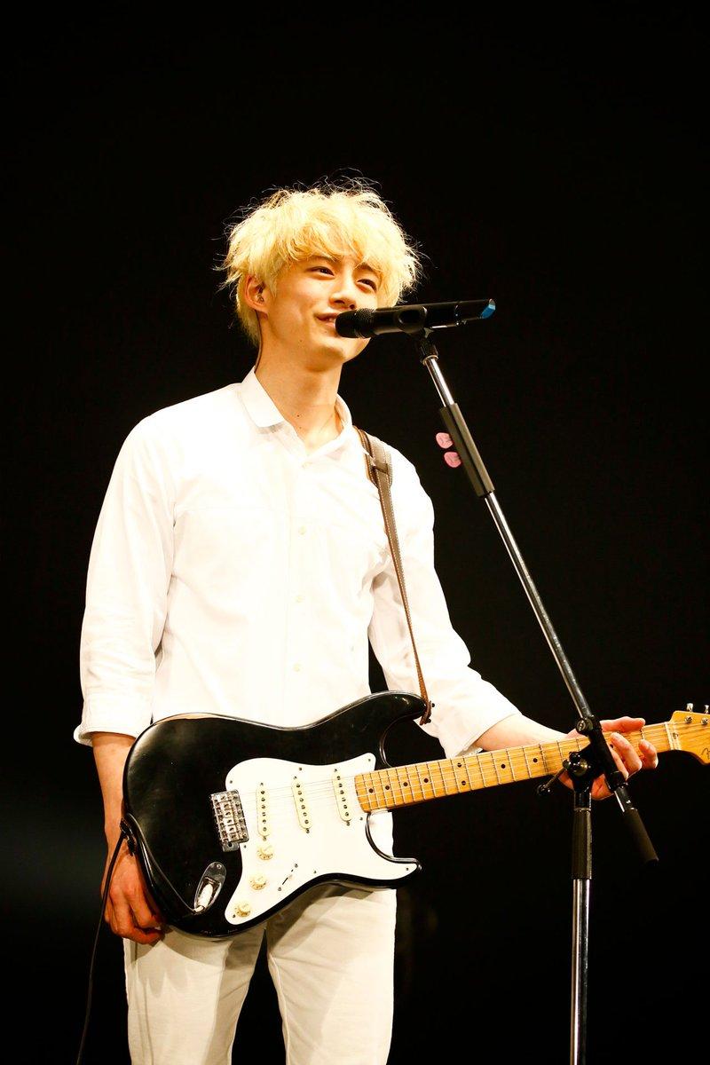[写真追加]「坂口健太郎が『君100』イベントでmiwaの楽曲を絶賛『心に訴えかけてくる』」の記事に…